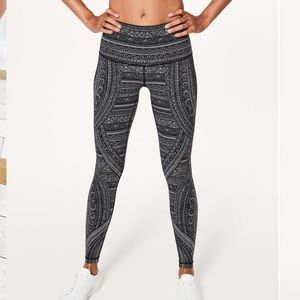 Lululemon High Rise Tight Entwined NWT size 4